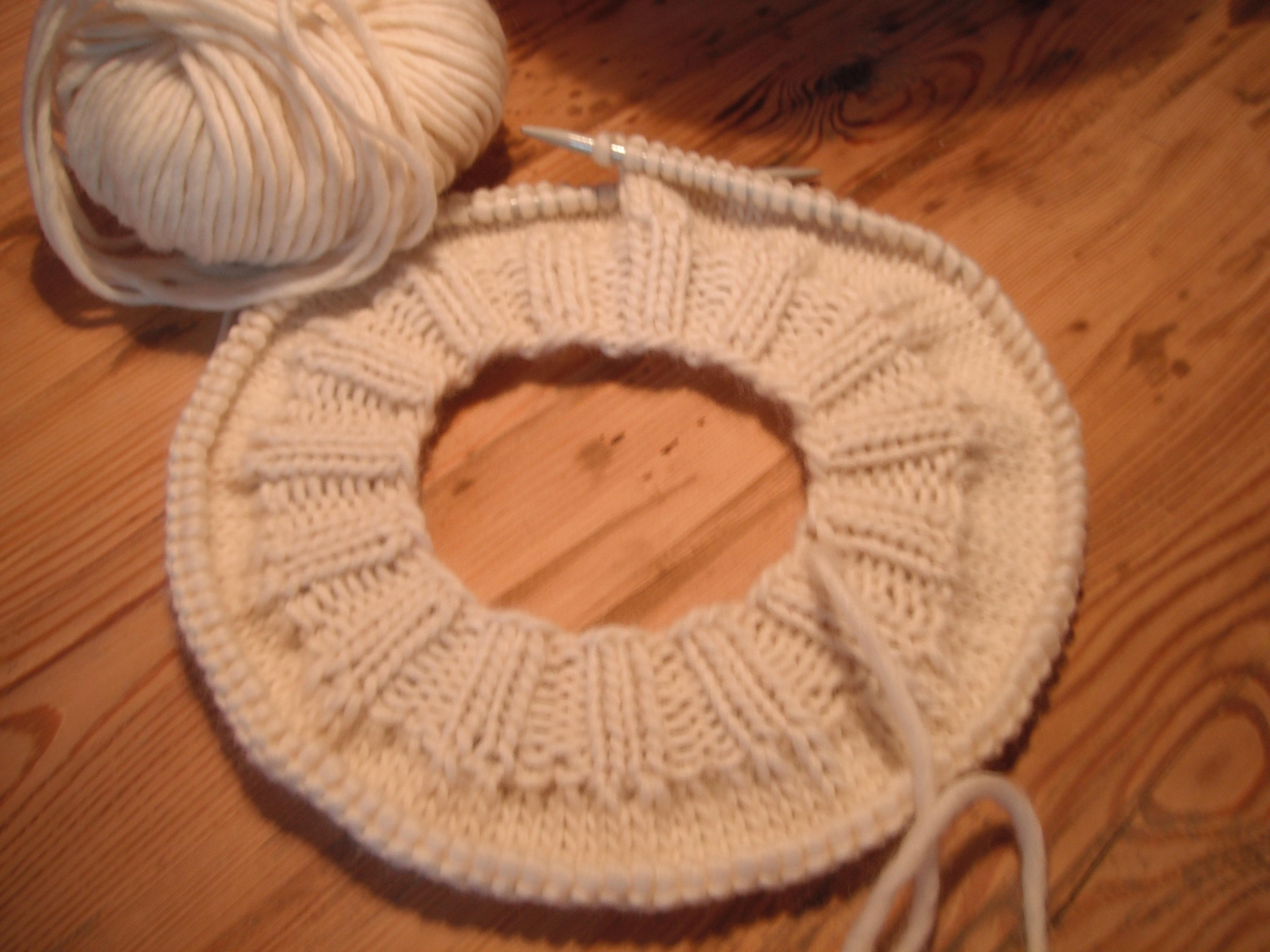 Baskenmütze In Weiß Stricken Schurrmurr